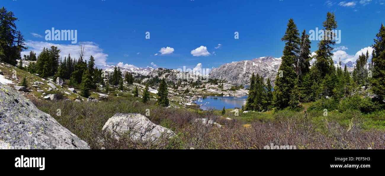 Wind River Range, Rocky Mountains, Wyoming, views from backpacking hiking trail to Titcomb Basin from Elkhart Park Trailhead going past Hobbs, Seneca, - Stock Image