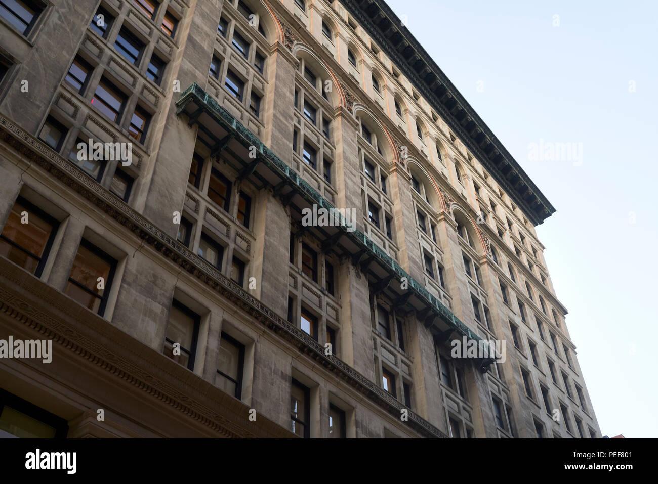 Facade of pre-war office building in New York City - Stock Image
