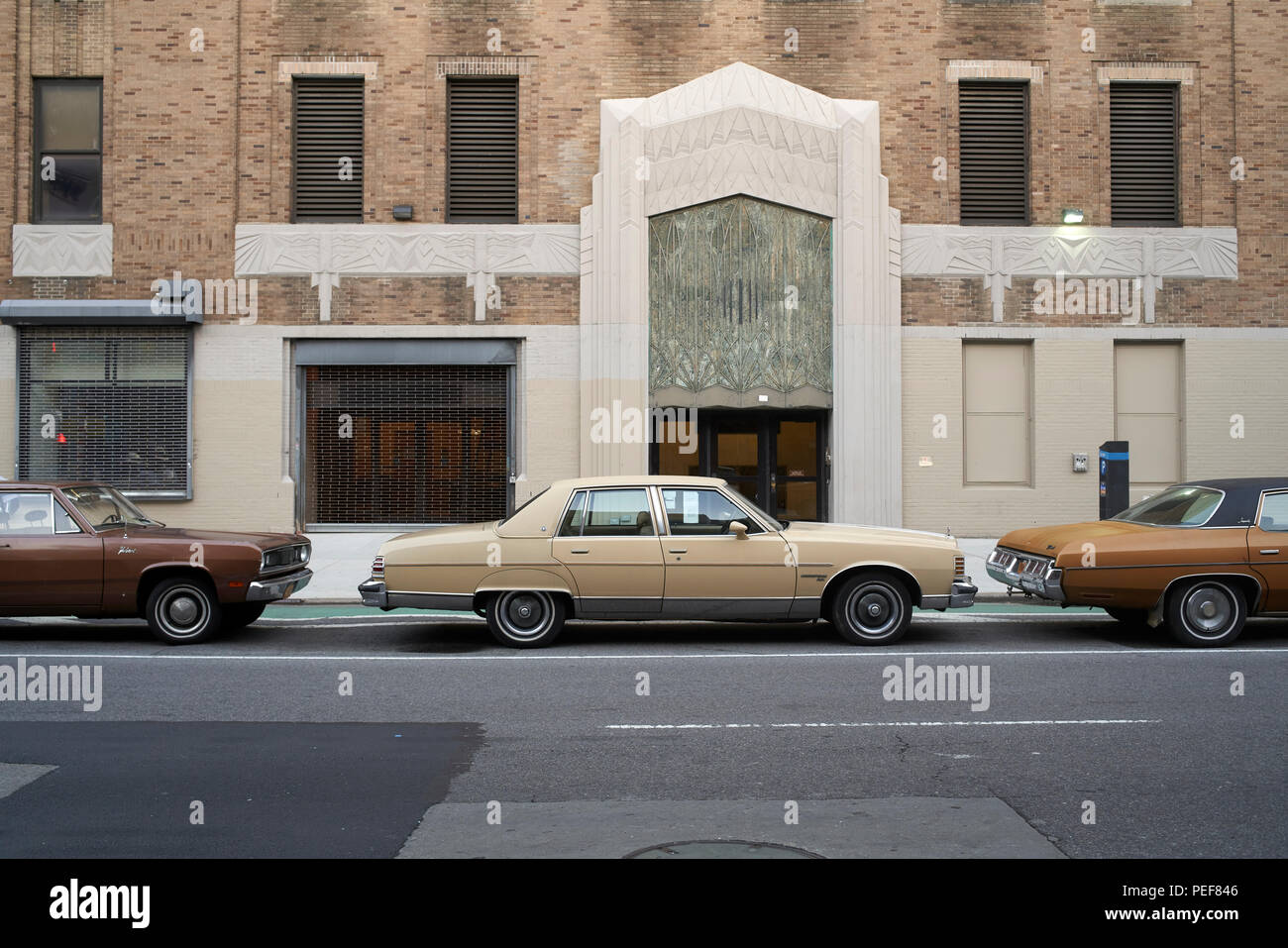 Old-timer cars parked on New York City street - Stock Image
