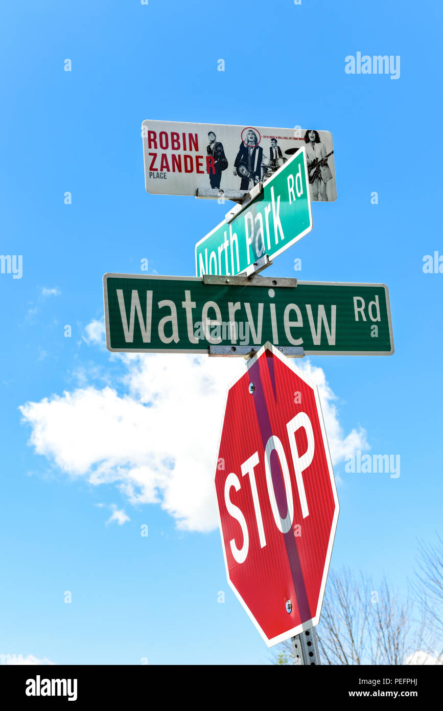 In Rockford Illinois the Rock n Roll Hall of Fame band Cheap Trick members have streets named after them. North Park and Waterview is Robin Zander Pl - Stock Image