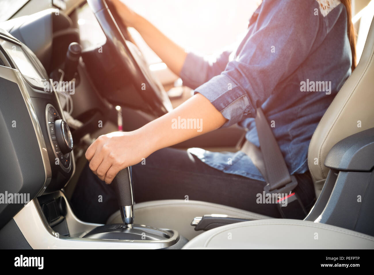 Automatic Car Gear Box Stock Photos Stick Shift Shifting Gears Illustration Diagram Woman Driver Hand Or Changing The And Driving A Image