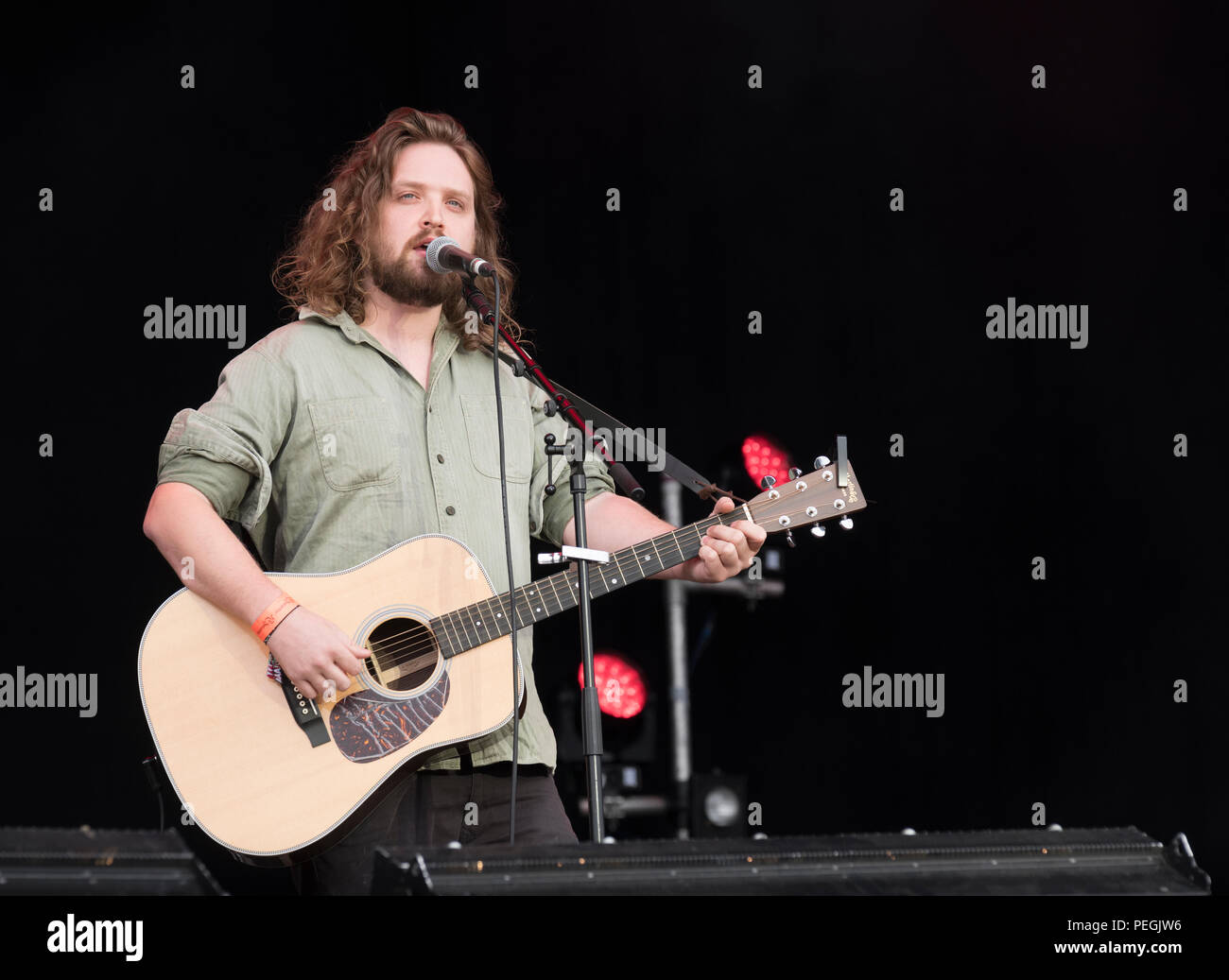 Will Varley performing at Fairport's Cropredy Convention, England, UK. August 11, 2018 - Stock Image