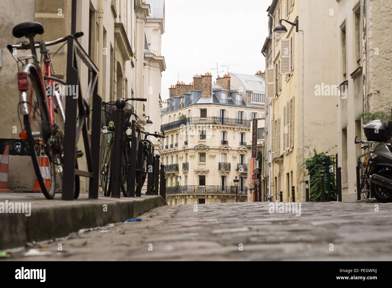 Paris street - Low angle view of a street in the Latin Quarter. - Stock Image
