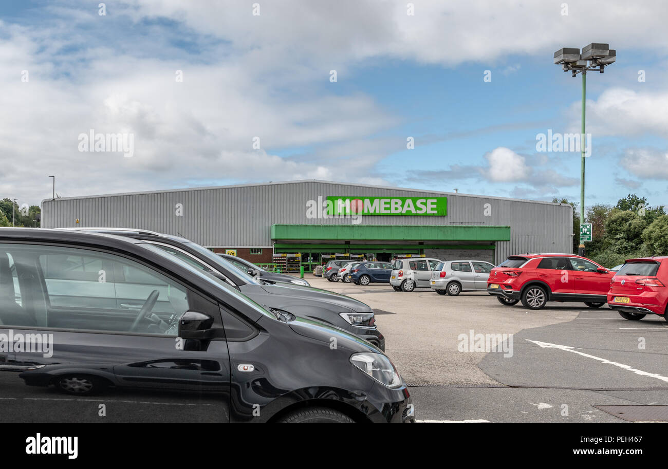 Poole, UK. 15th August 2018. The Tower Park Homebase store is one of the 42 set to close in the near future. Hilco, which bought the DIY chain for £1 in May, confirmed it was planning a Company Voluntary Arrangement (CVA). Credit: Thomas Faull/Alamy Live News Stock Photo