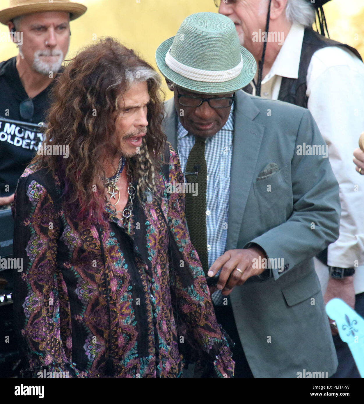 New York City, New York, USA. 15th Aug, 2018. Musician/singer STEVEN TYLER from AEROSMITH and 'Today' show host AL ROKER look at a photo on the 'Today' show held at Rockefeller Center. Credit: Nancy Kaszerman/ZUMA Wire/Alamy Live News - Stock Image