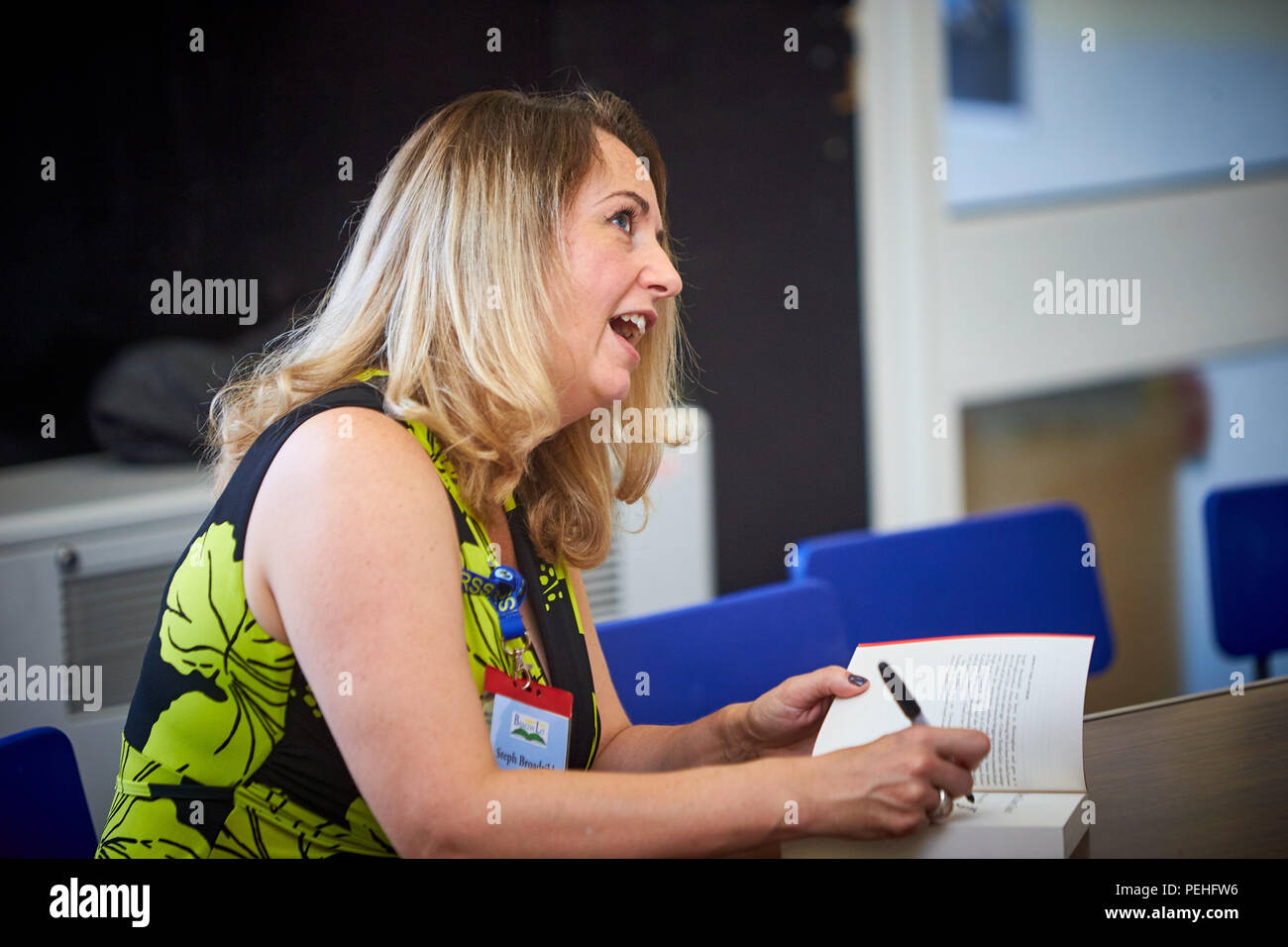 Stephanie Marland (L) writing as Steph Broadribb, signs books for fans at BeaconLit book festival in Ivinghoe - Stock Image