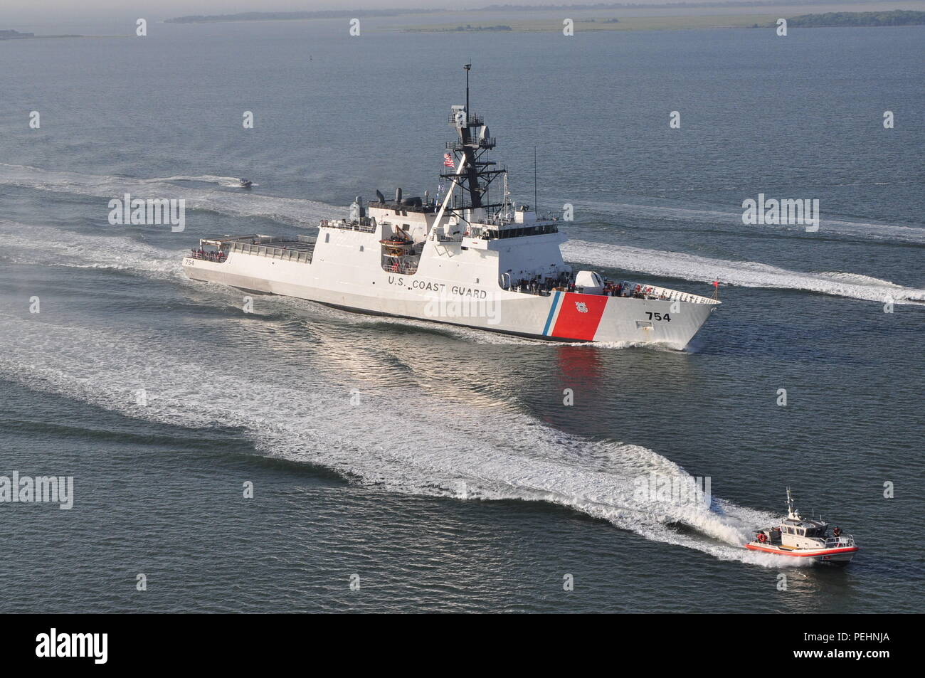 The U.S. Coast Guard Cutter James transits toward its home port of Charleston, S.C., on Aug. 28, 2015.  The James is the fifth of eight planned National Security Cutters – the largest and most technologically advanced class of cutters in the Coast Guard's fleet. (U.S. Coast Guard photo by Petty Officer 1st Class Melissa Leake) - Stock Image