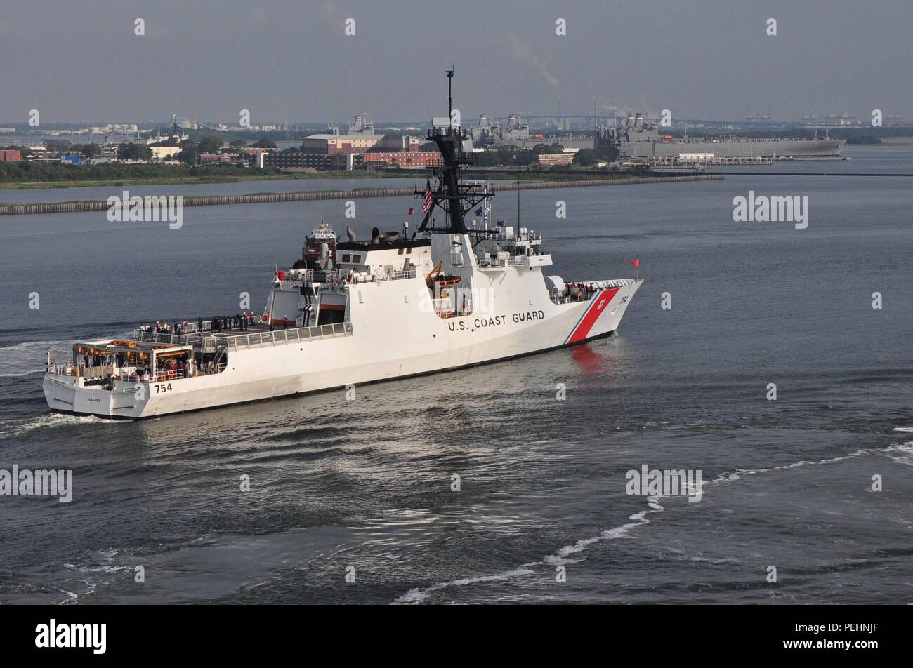The U.S. Coast Guard Cutter James transits toward its homeport of Charleston, S.C., Aug. 28, 2015. The James is the fifth of eight planned National Security Cutters – the largest and most technologically advanced class of cutters in the Coast Guard's fleet. (U.S. Coast Guard photo by Petty Officer 1st Class Melissa Leake) - Stock Image