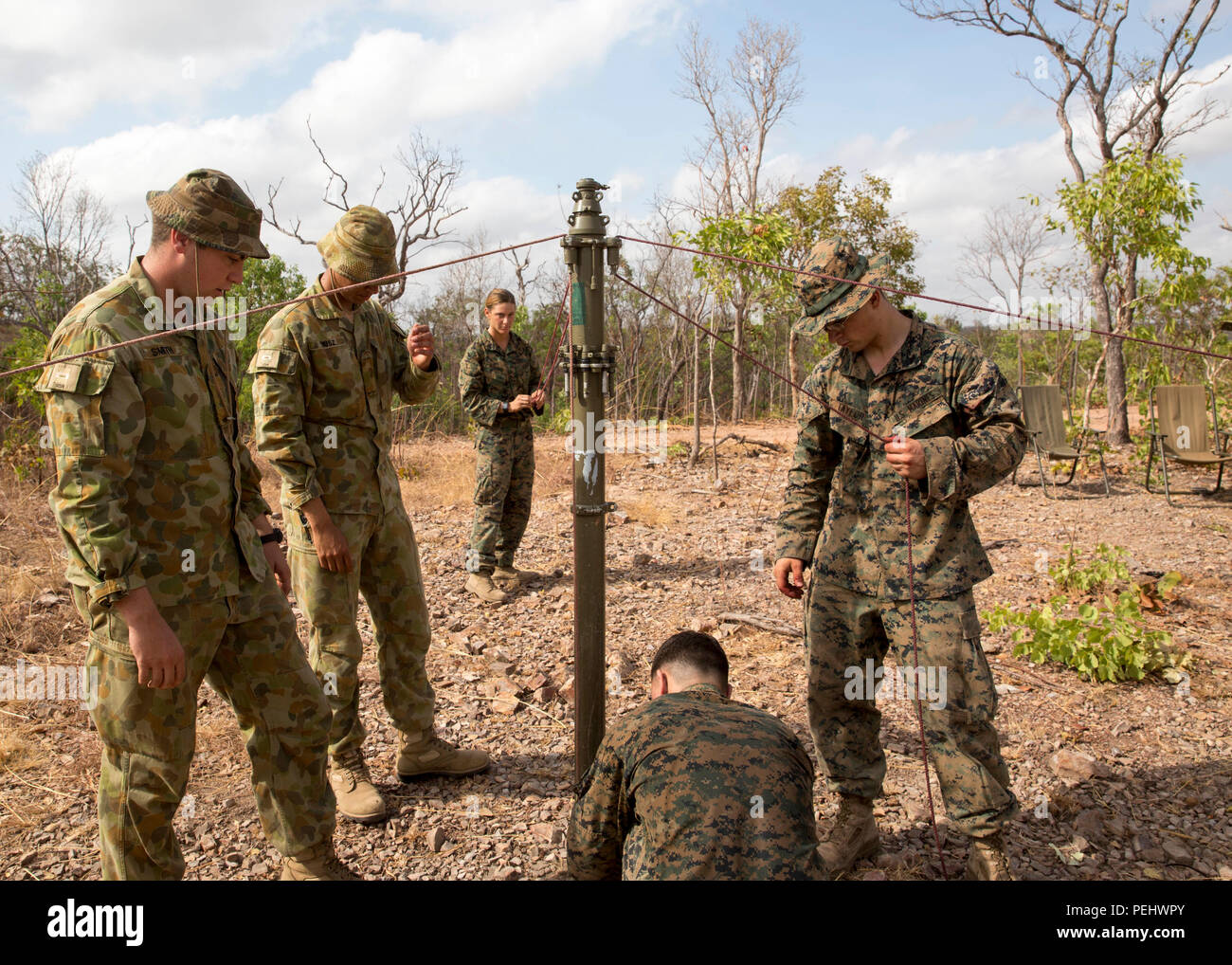 Australian Army Sol Rs And U S Marine Corps Sgt Heather Redenius With Combat Logistics Detachment 1 Lance Cpl Colton Taylor And Cpl Ryan Reppond With