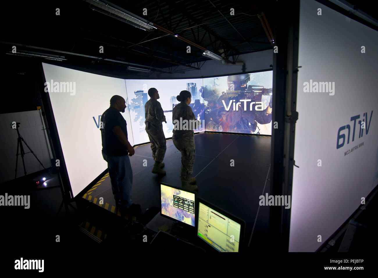 6 Shooter Stock Photos Images Alamy High Voltage Yard Training Simulator A Us Air Force Senior Airmen Steven Frank Left And Samantha Welsh From