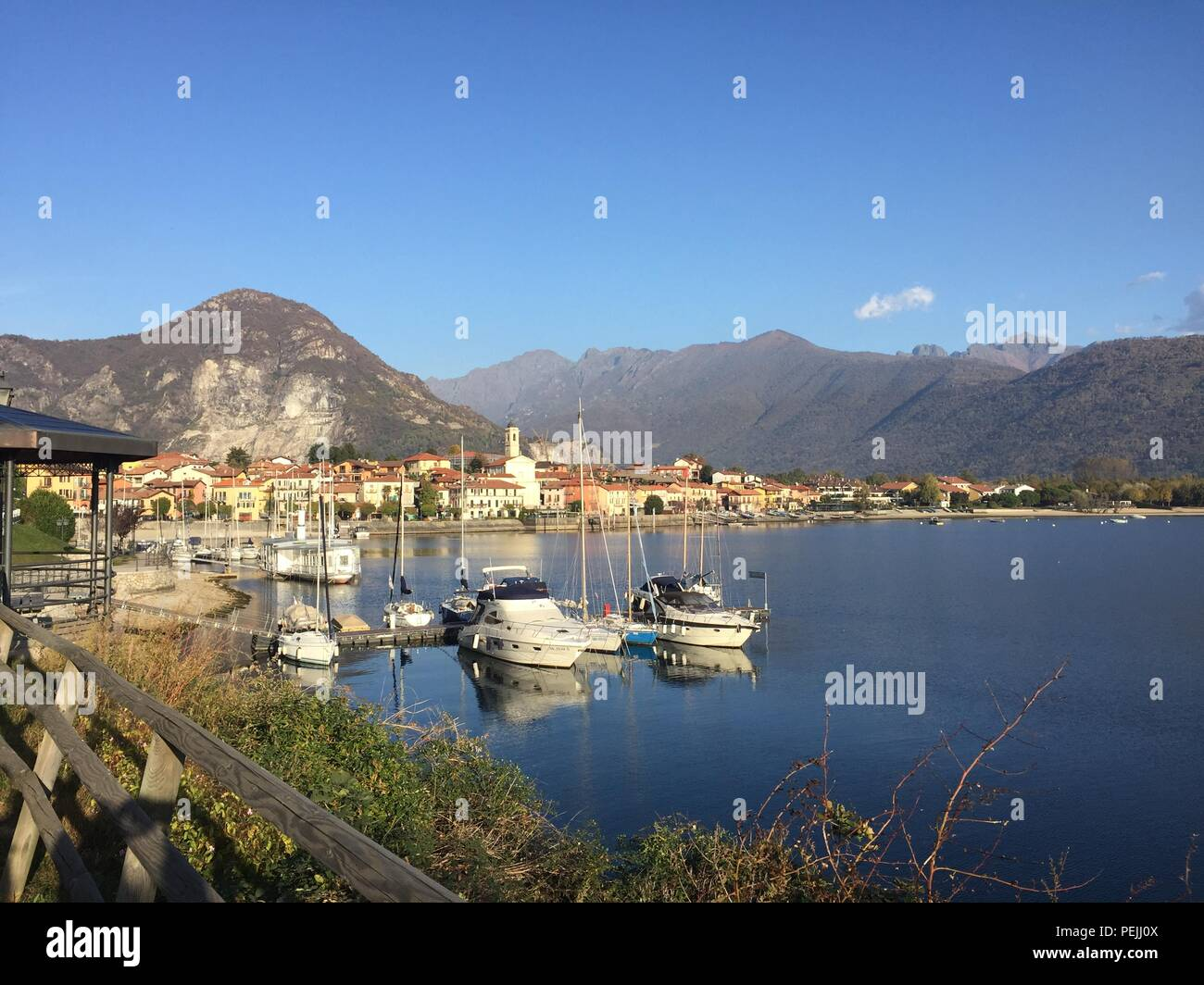 Am See in Italien - Stock Image