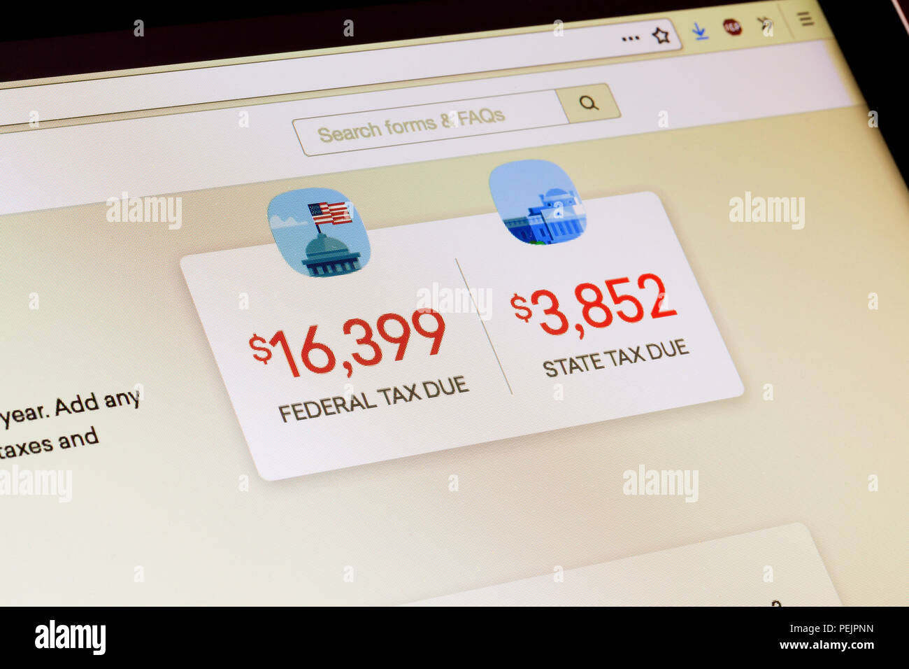 On-line income tax filing due amounts on screen (taxes due) - USA - Stock Image