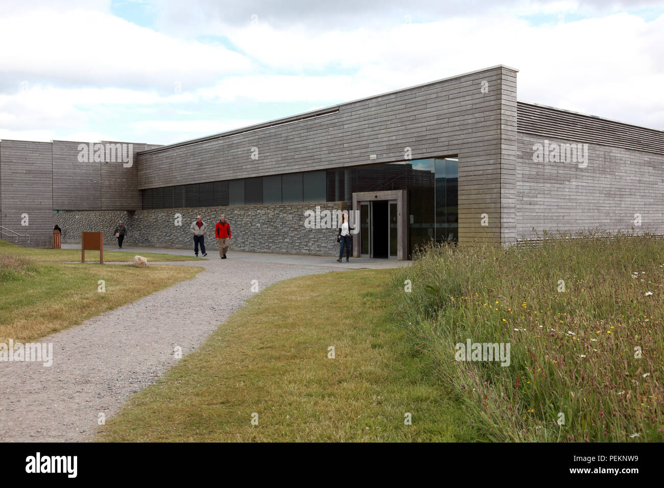 The visitor centre at Culloden where the Jacobite forces of Bonnie Prince Charlie lost the battle in 1746 - Stock Image