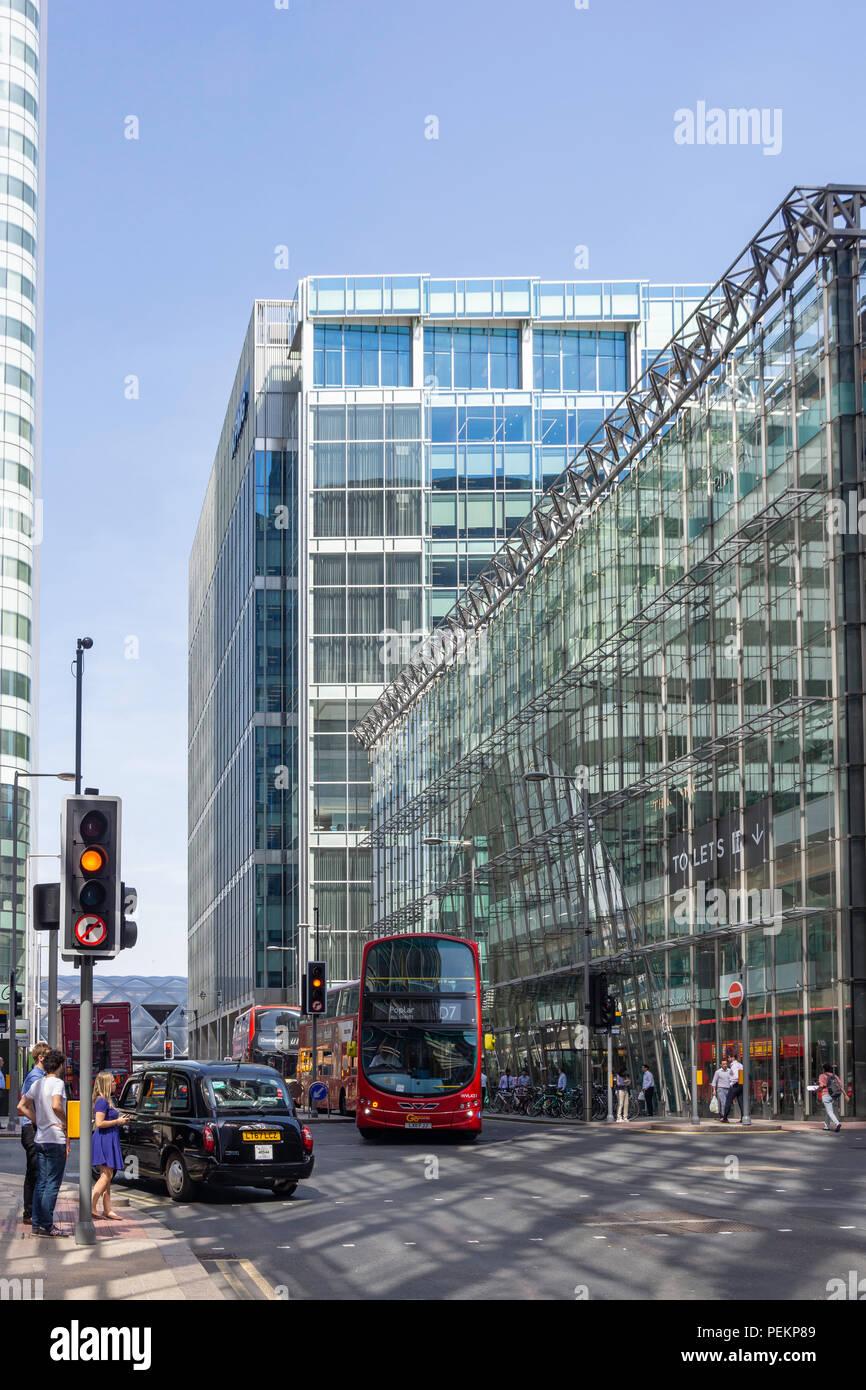 Upper Bank Street, Canary Wharf, London Borough of Tower Hamlets, Greater London, England, United Kingdom - Stock Image