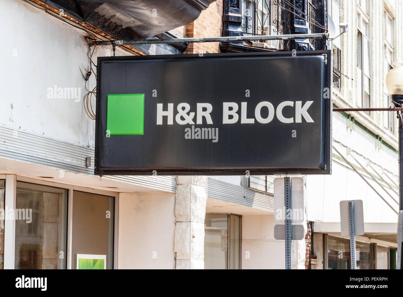 Hartford City Circa August 2018 H R Block Retail Tax Preparation