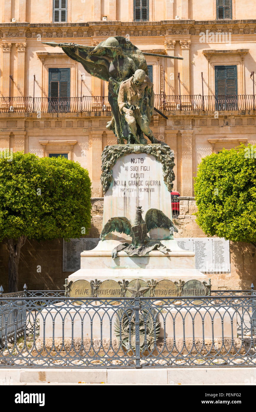 Italy Sicily ancient Netum Noto Antica Mount Alveria rebuilt after 1693 earthquake memorial statue casualties fallen soldiers Great War 1914-18 - Stock Image