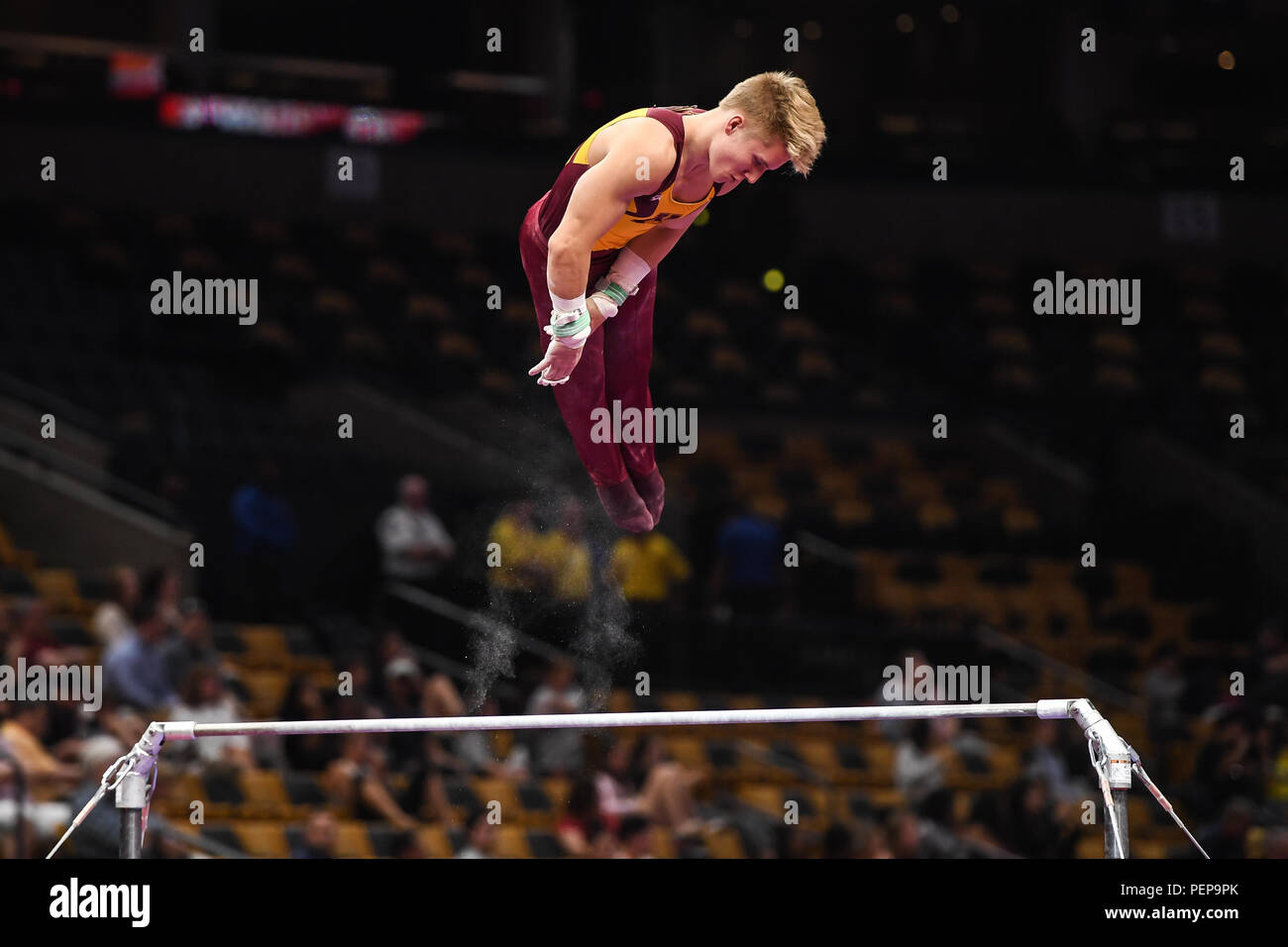 Boston, Massachussetts, USA. 16th Aug, 2018. SHANE WISKUS from the University of Minnesota competes on the high bar during the first night of competition at TD Garden in Boston, Massachusetts. Credit: Amy Sanderson/ZUMA Wire/Alamy Live News - Stock Image