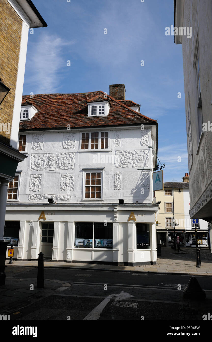 The Salisbury Arms Hotel, in Fore Street, Hertford, Hertfordshire, dates to the late 16thc – early 17thc.  It has pargeting on its front. - Stock Image