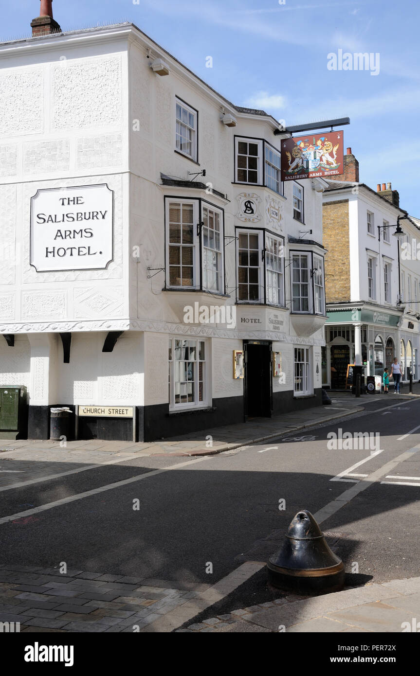 The Salisbury Arms Hotel, in Fore Street, Hertford, Hertfordshire, dates to the late 16thc – early 17thc.  It has pargeting on its front, - Stock Image