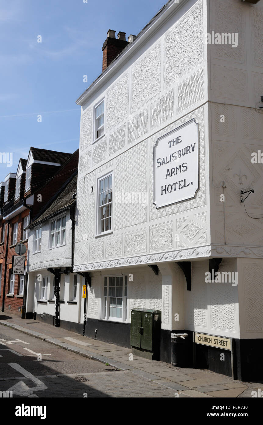 The Salisbury Arms Hotel, in Fore Street, Hertford, Hertfordshire, dates to the late 16thc – early 17thc.  It has pargeting on its front - Stock Image