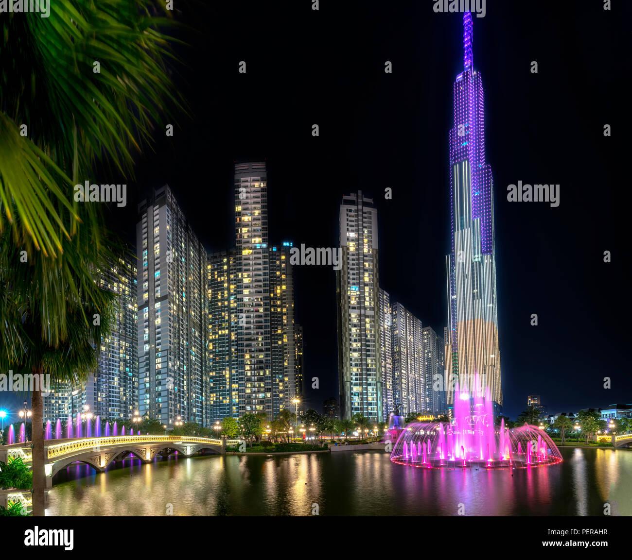 Light Shop Dubai Mall: Home Square Shopping Mall In Stock Photos & Home Square