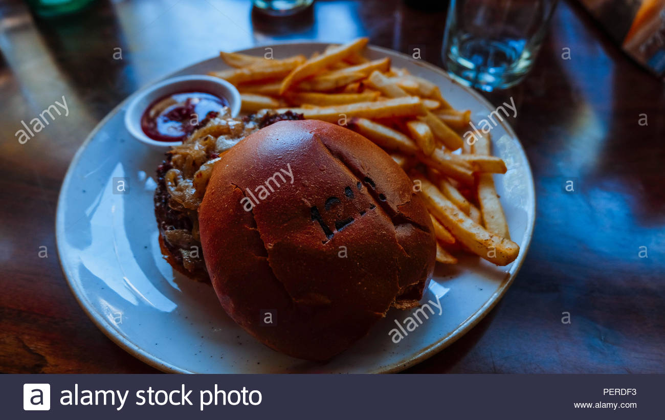 Delicious Burger in Santa Monica - Stock Image