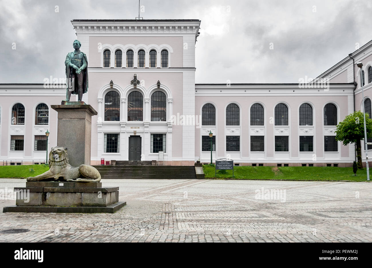Amauer Hansen statue in Christies Gate, Bergen, Norway - Stock Image