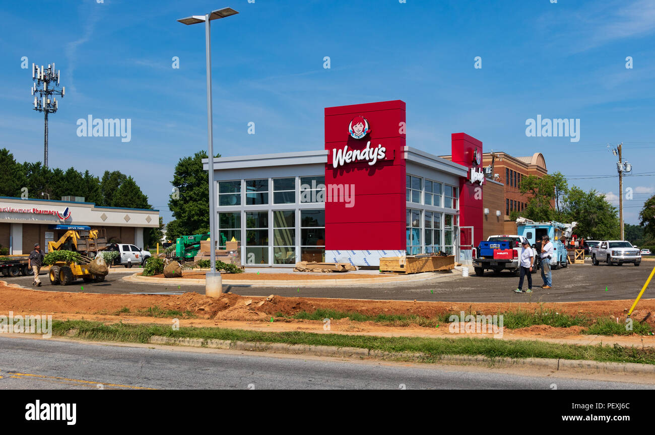 HICKORY, NC, USA-15 AUGUST 18: A new Wendy's nears completion, with an updated look. Stock Photo