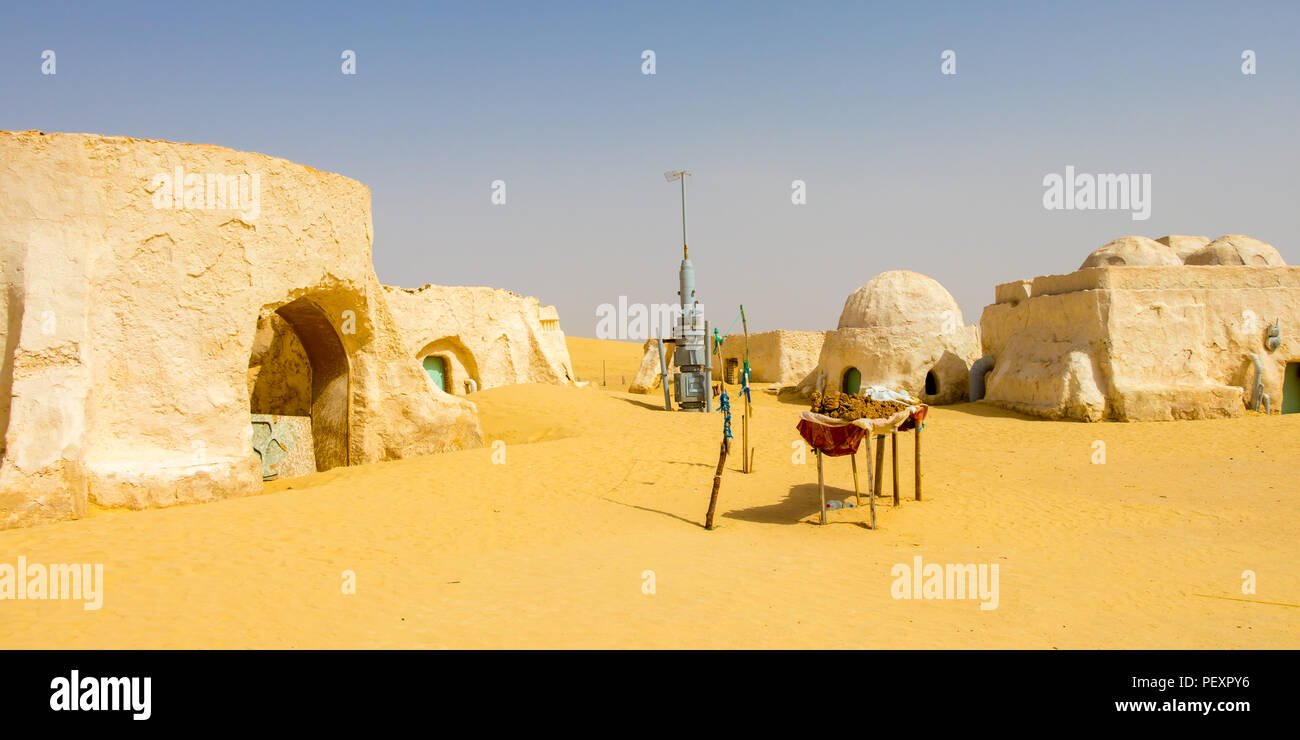 Abandoned sets for the Star Wars movie still stands in the Tunisian desert near Tozeur, Africa - Stock Image