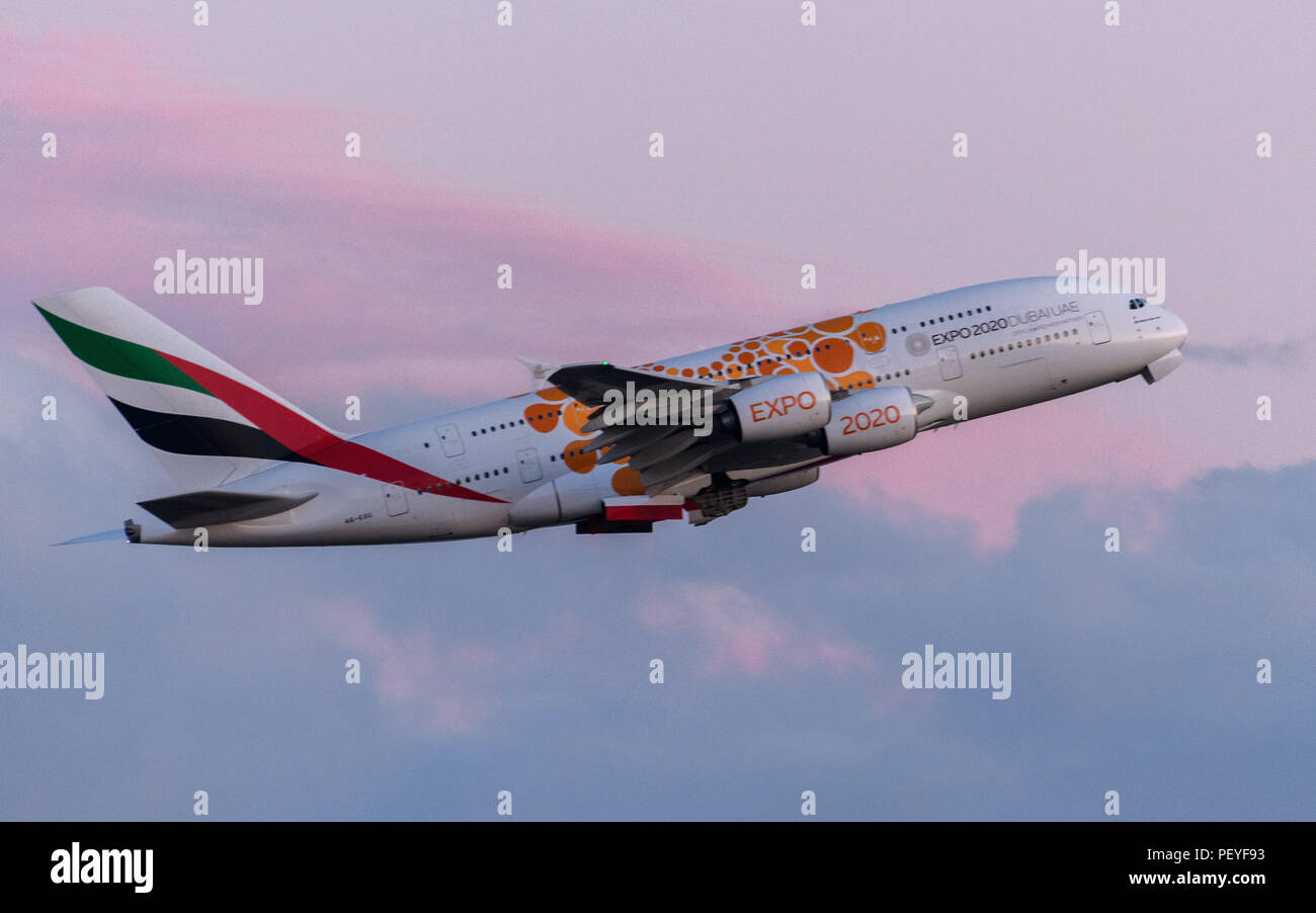Emirates Airline Stock Photos & Emirates Airline Stock