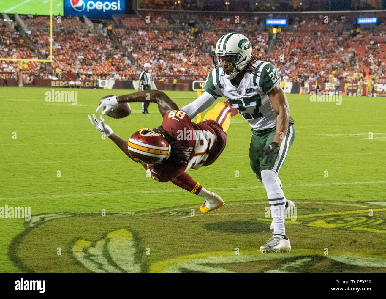 separation shoes 2dace a96a2 New York Jets cornerback Darryl Roberts (27) deflects a pass ...