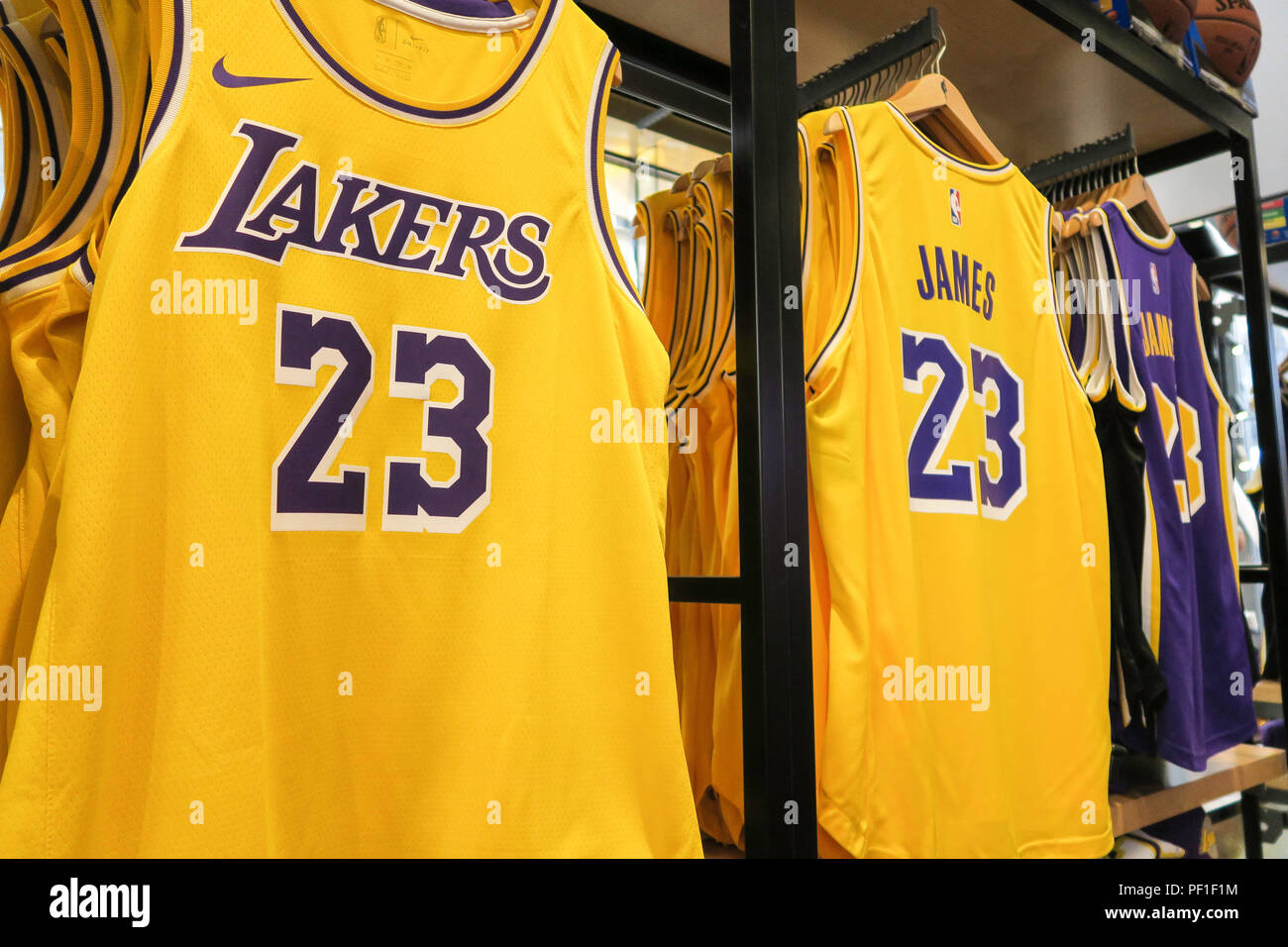 premium selection 1e4e4 ff112 Lakers Logo Stock Photos & Lakers Logo Stock Images - Alamy