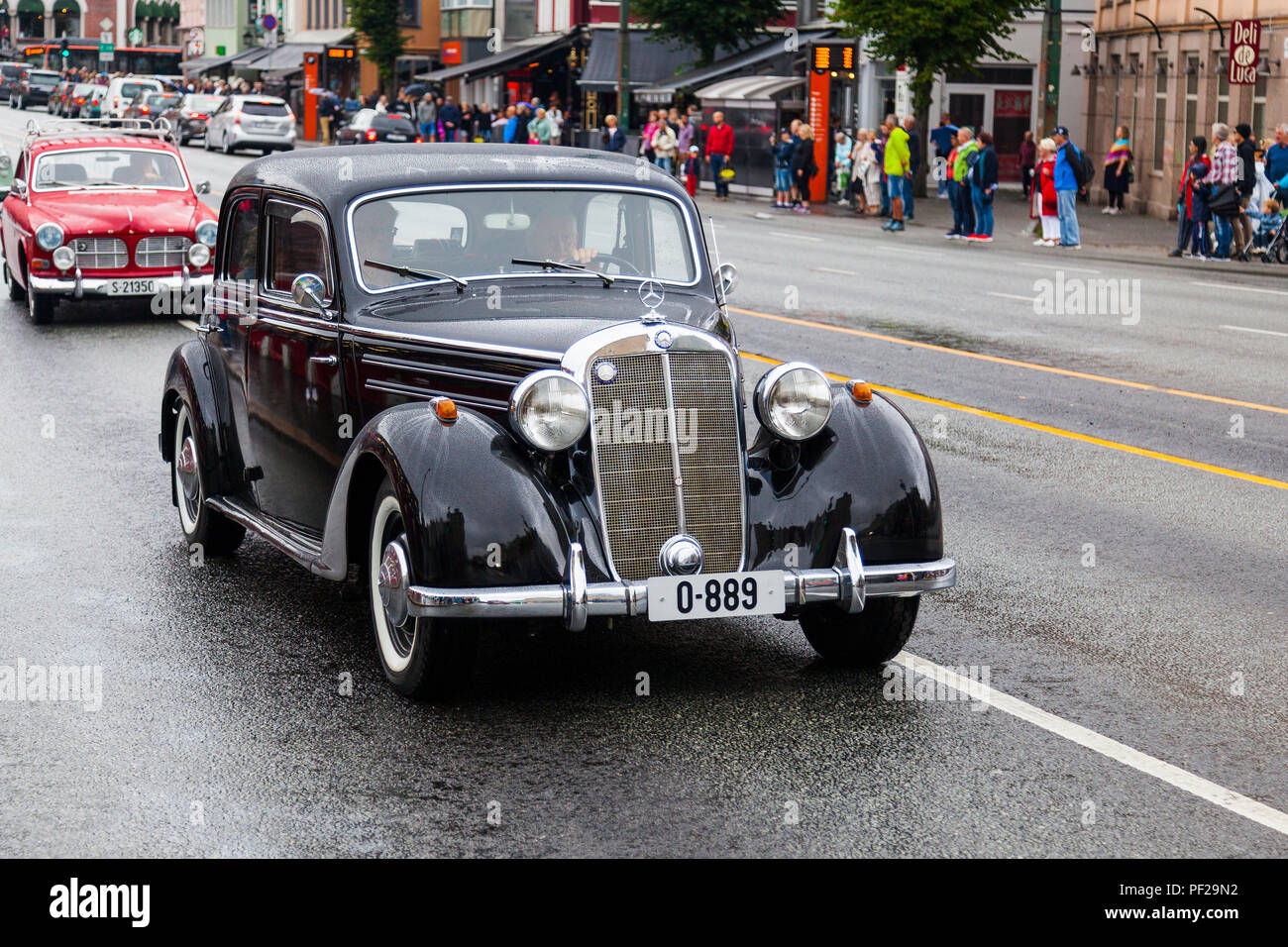 MERCEDES-BENZ 170 S, 1951 model, black, five seats. Classic cars parading through the port area in Bergn, Norway. Fjordsteam 2018,. - Stock Image