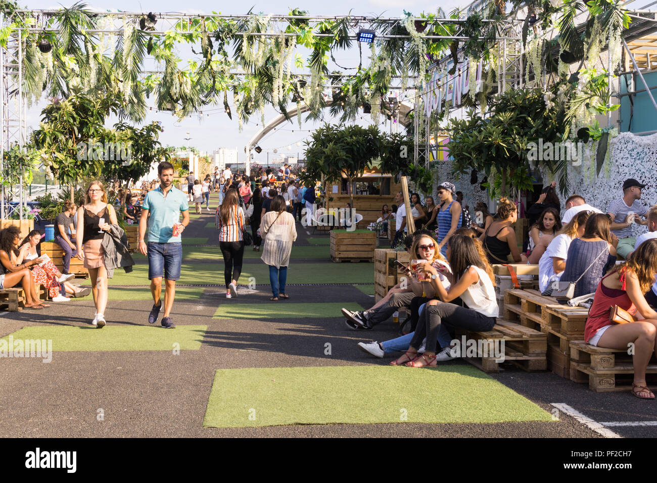 Jardin Suspendu High Resolution Stock Photography And Images Alamy