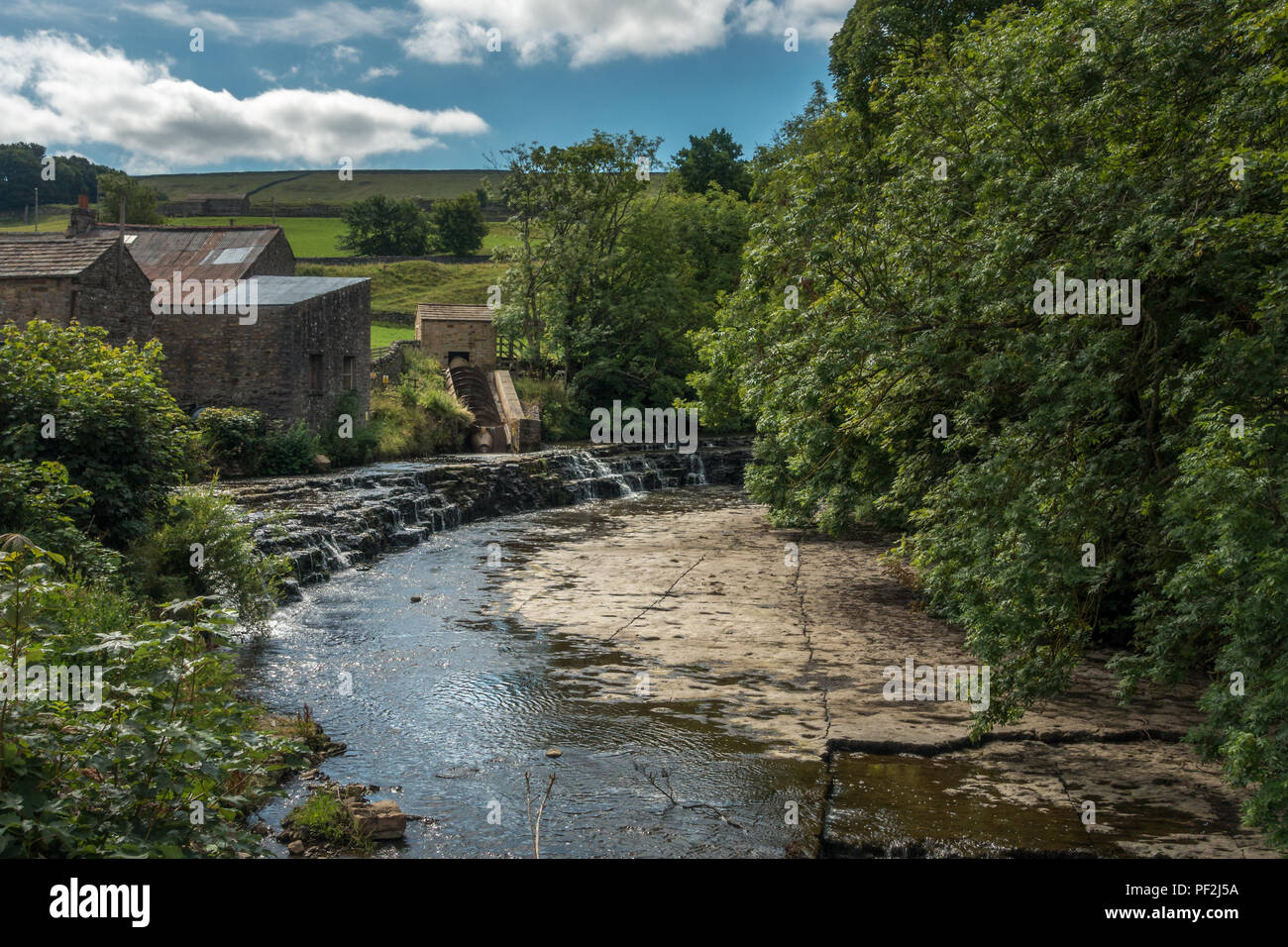 River Bain Hydro, a community owned screw turbine, powers most of the 40 properties in the village of Bainbridge, North Yorkshire, with excess electri - Stock Image