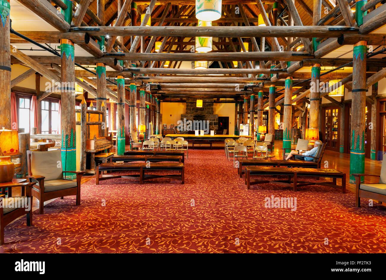 WA14764-00...WASHINGTON - Lobby of the Paradise Inn at Mount Rainier National Park. - Stock Image