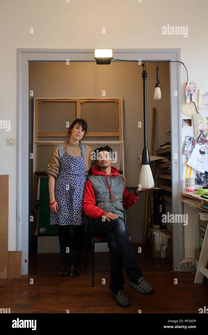 Les artistes Ella & Pitr chez eux à Saint-Etienne - Stock Image