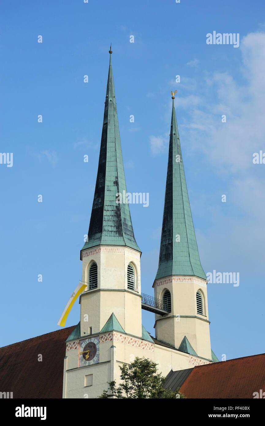 Stiftspfarrkirche St. Philipp und Jakob Altötting, Landkreis Altötting, Oberbayern, Bayern, Deutschland - Stock Image