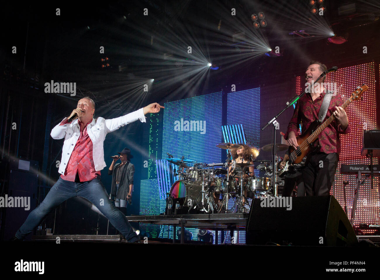 Coventry, UK. 18th October, 2018. Simple Minds Lead Singer Jim Kerr at Grandslam18 , Coventry Butts Park Arena Credit: Kev Wise Images/Alamy Live News - Stock Image