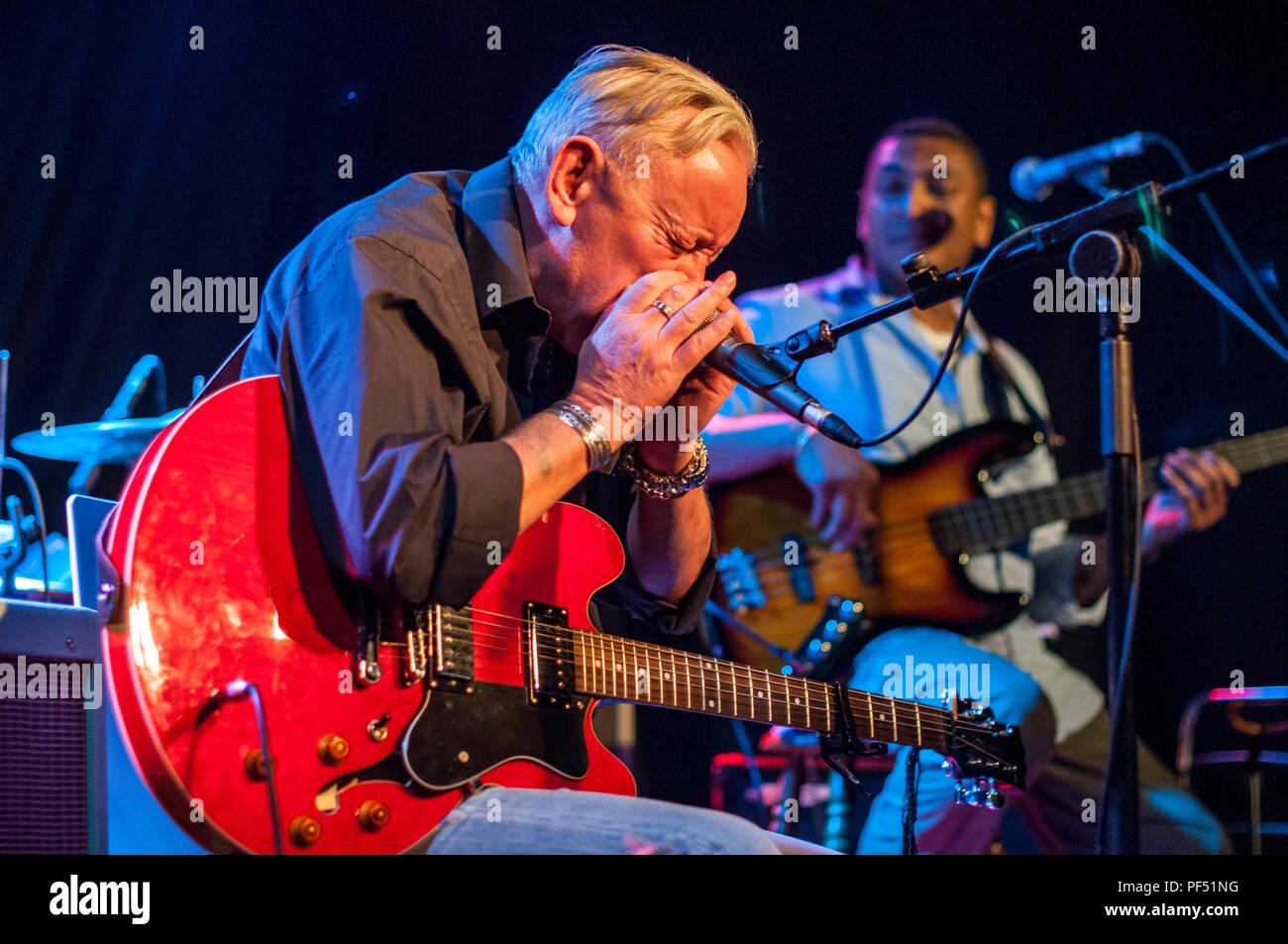 Don Baker Irish Blues Musician Performing Live in Belfast's Black Box - Stock Image