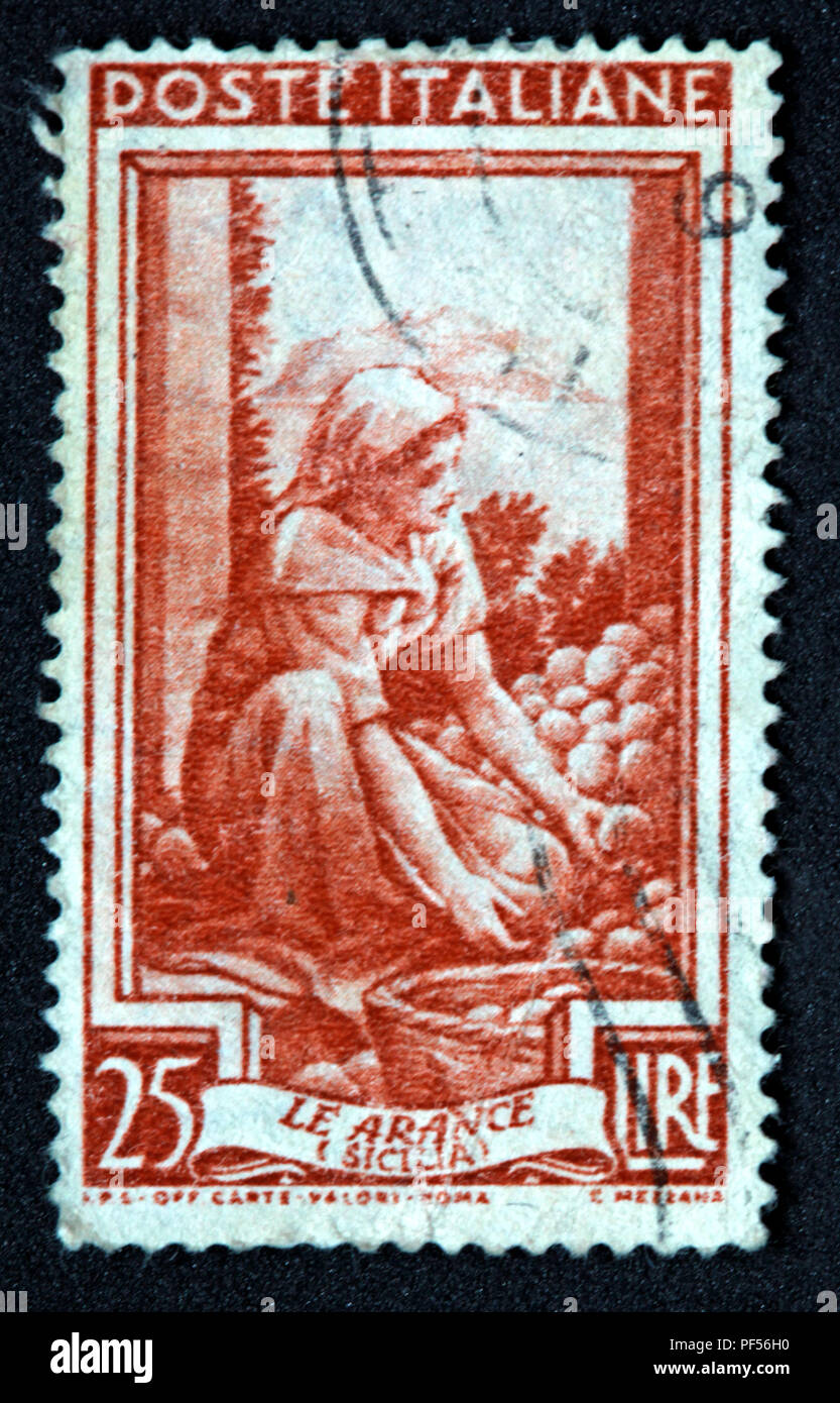 Brown used Post Italiane 25lire Le Arance Sicila stamp - Stock Image