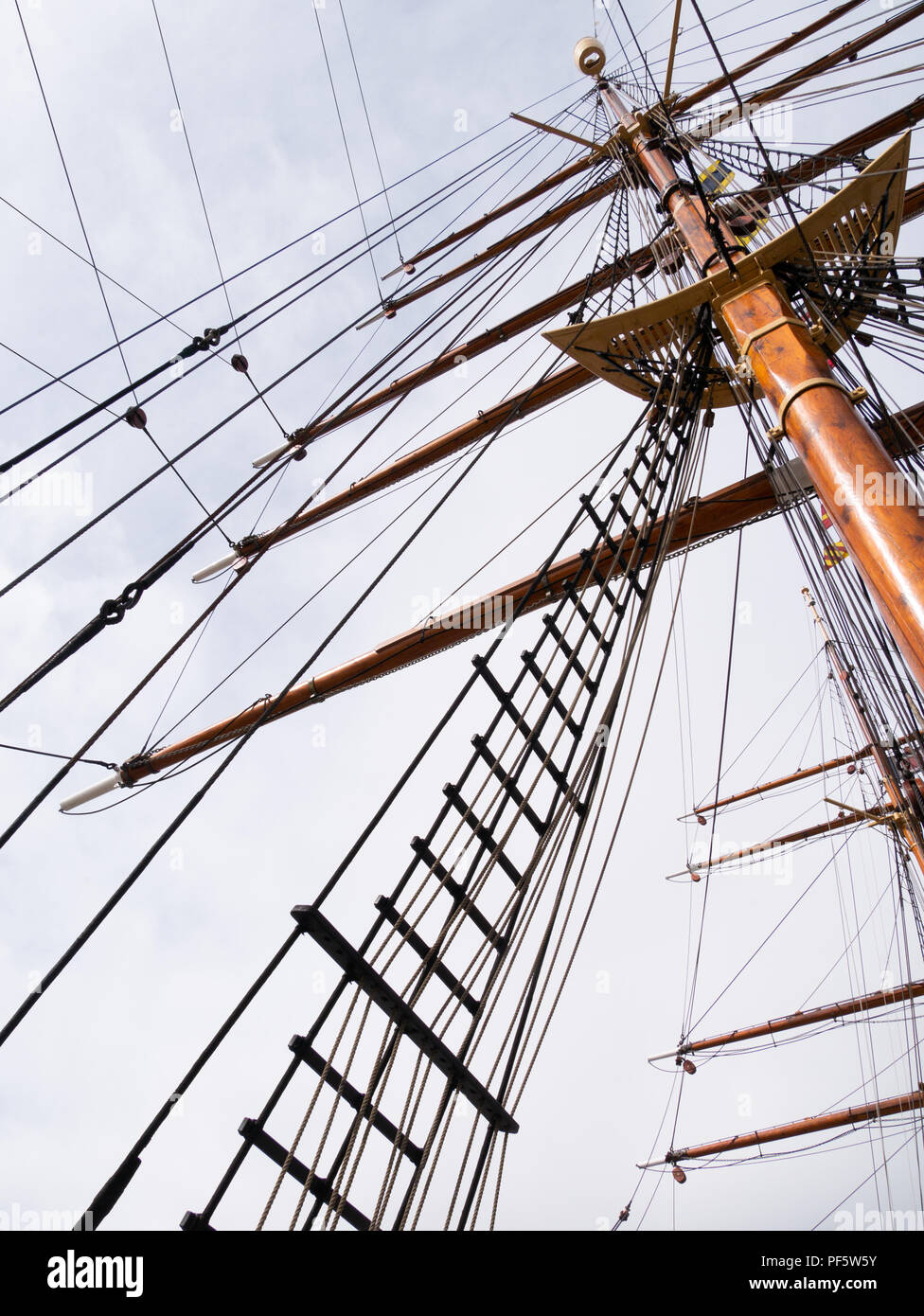 Mast and rigging on RRS Discovery, Captain Scott's Antarctic ship, Discovery Point, Dundee, Scotland, UK Stock Photo