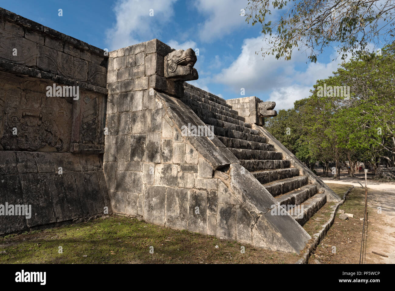 Historical ruins of the ancient Mayan city of Chichen Itza, Yucatan, Mexico. - Stock Image