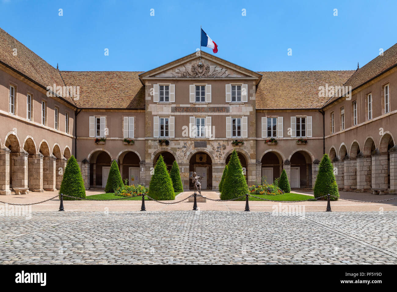 The Hotel de Ville (Town Hall) in the town of Beaune in the Burgundy region of eastern France. - Stock Image