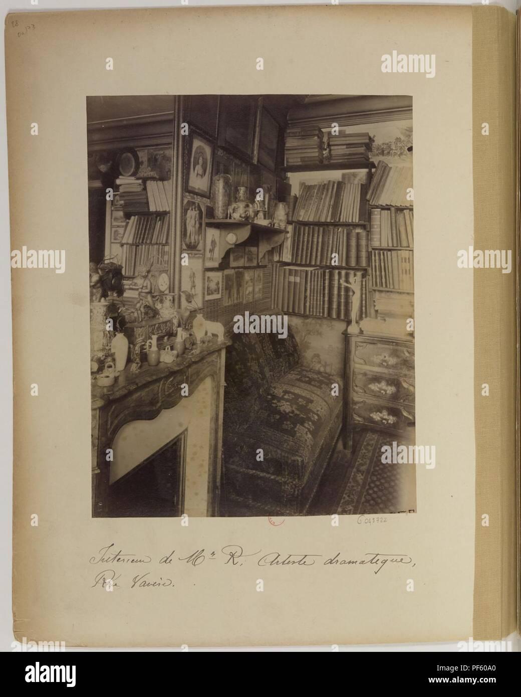Atget Intérieur de M. R. artiste dramatique rue Vavin. - Stock Image