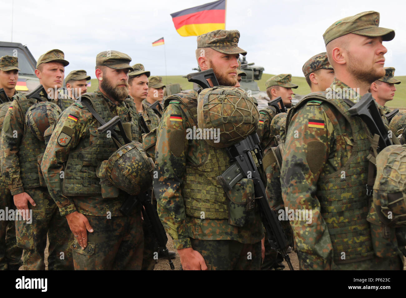 Soldiers Guard Battalion German Armed Stock Photos & Soldiers Guard