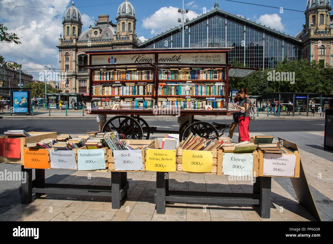 Budapest, Hungary. 14th August, 2018. A bookstall in front of Nyugati railway station. - Stock Image