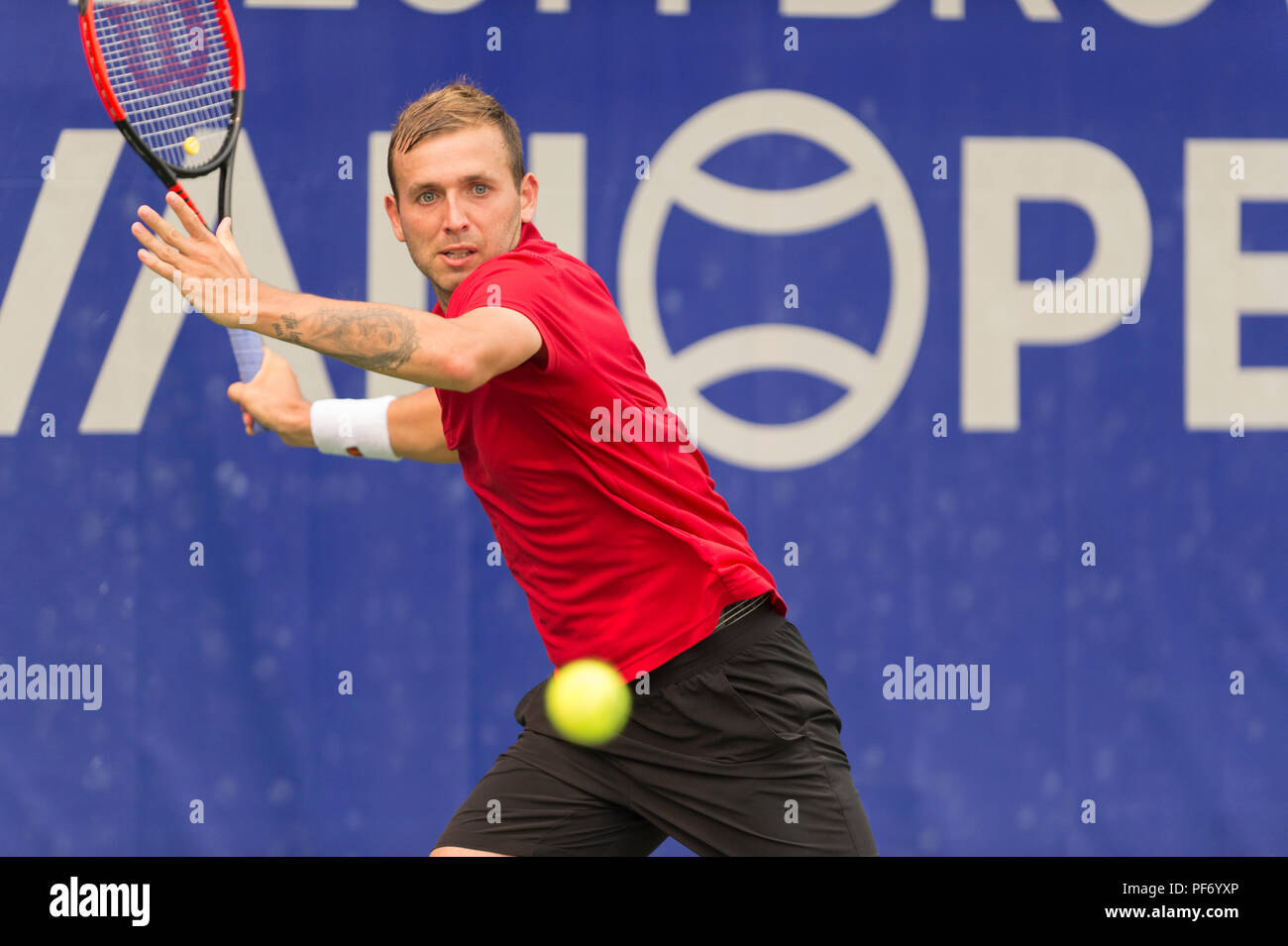 West Vancouver, Canada. 19 August 2018. Daniel Evans of Great Britain (shown here) wins the ATP Challenger Tour Mens Singles Final, against Jason Kubler of Australia. Odlum Brown VanOpen. Hollyburn Country Club.  © Gerry Rousseau/Alamy Live News - Stock Image
