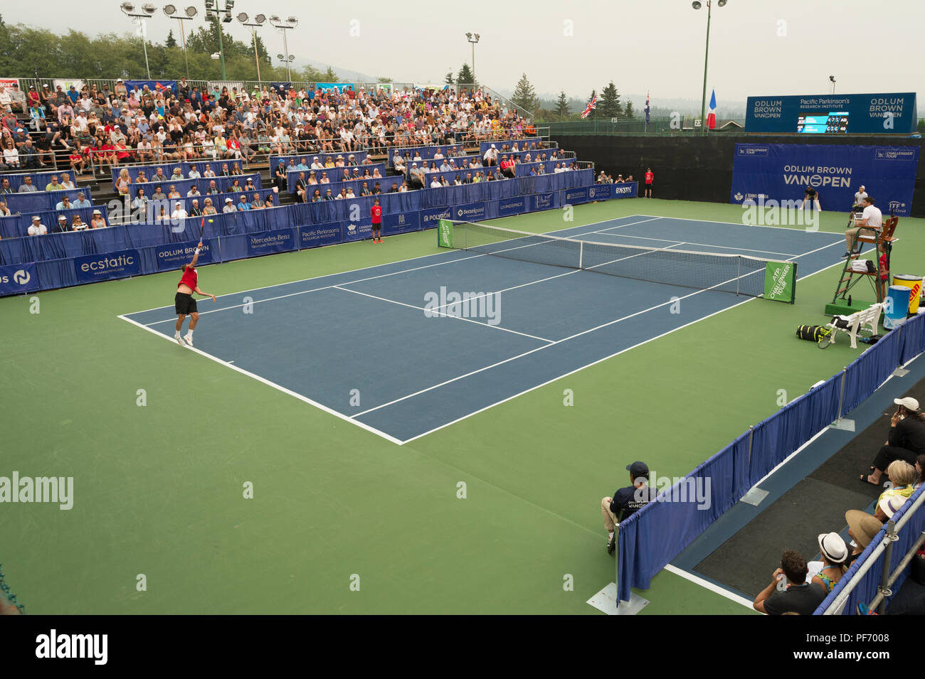 West Vancouver, Canada. 19 August 2018. Daniel Evans of Great Britain (left and Jason Kubler (right) compete in ATP Challenger Tour Mens single final at Centre Court. Odlum Brown VanOpen Hollyburn Country Club.  © Gerry Rousseau/Alamy Live News - Stock Image