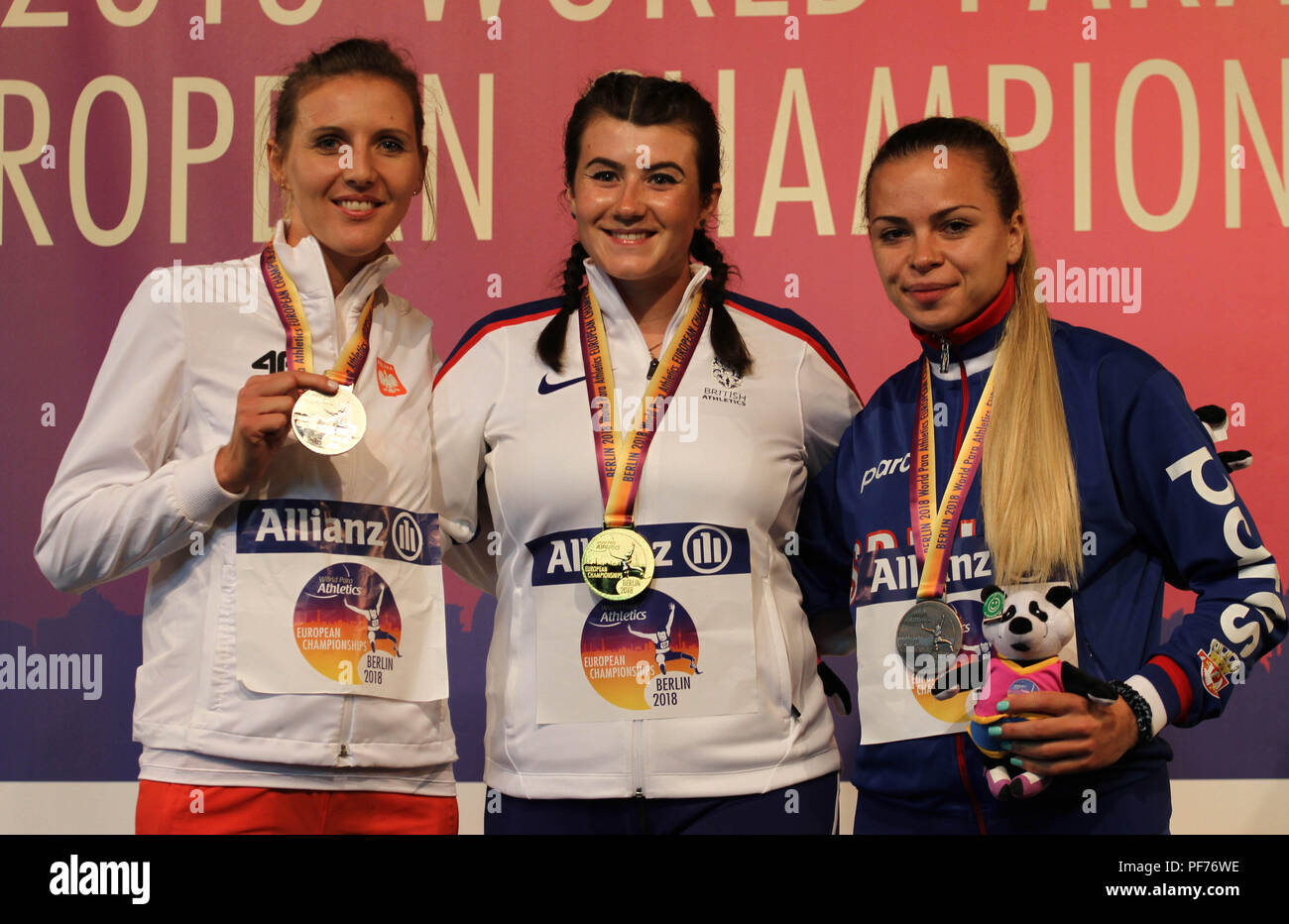 Berlin, Germany. 20th August 2018.Hollie Arnold and other athletes pose with their medals on Day 1 of the World Para Athletics European Championships in Berlin, Germany Credit: Ben Booth/Alamy Live News - Stock Image